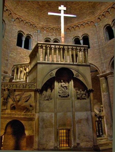 Edicola del Calvario - Chiesa del Santo Sepolcro, Basilica di S. Stefano - XII sec.